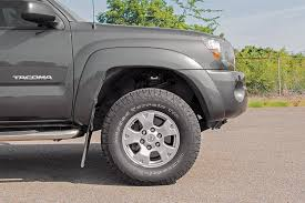 suspension lift kits for toyota tacoma 2in leveling lift kit for 05 17 toyota tacoma 744