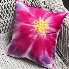 tie dye home decor how to make tie dye shirts decor and more 18 tie dye patterns