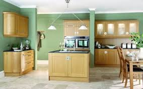 what color goes with oak kitchen cabinets kitchen colors with oak cabinets kitchen appliance reviews