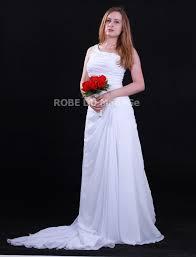 robe de mari e pr s du corps robe de mariée près de corps en chiffon seule bretelle