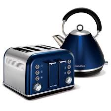 metallic blue accents traditional pyramid kettle and 4 slice