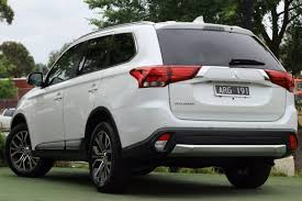 mitsubishi outlander 7 seater 2017 mitsubishi outlander ls 4x2 zk my18 white for sale in