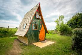 this tiny house looks like it u0027s from a fairytale but inside whoa