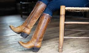5 boot styles that look best with skinny jeans one country