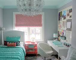zimmer designen mädchenzimmer klein stilvoll einrichten schreibtisch