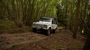 land rover experience defender how to become an off road pro in one weekend motoring research