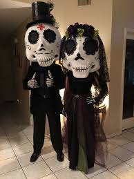 Day Of The Dead Halloween Makeup Ideas Day Of Dead Couple Paper Mache Mask Day Of The Dead Masks
