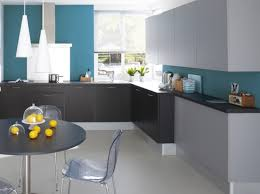 idee deco cuisine grise idee deco cuisine grise awesome de avec ilot central 8 newsindo co