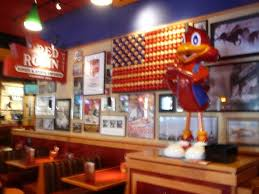 Red Robin Interior Red Robin Here There And Everywhere