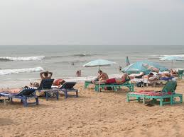 drunk russian tourist rescued from drowning in goa eturbonews etn