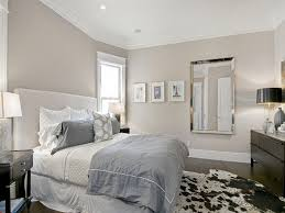 good colors to paint a small bedroom to make a small bedroom look