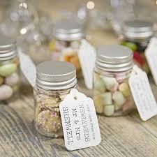 cheap wedding guest gifts personalised wedding favour sweetie jar mini marshmallows