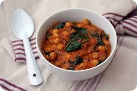 cuisiner les pois chiches curry de pois chiches aux épinards chez requia cuisine et