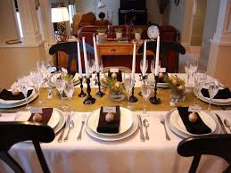 Round Table Decor 18 Best Christmas Table Decorations Images On Pinterest