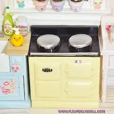 cuisine miniature cuisiniere retro vintage style aga cuisine miniature lati yellow