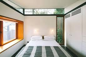 comment aerer une chambre sans fenetre les fenatres vitraces a jalousie pour une ventilation discrate