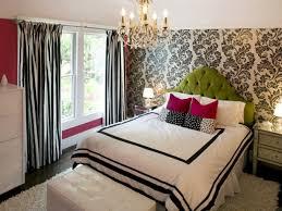 chambre avec papier peint la déco chambre ado fille esthétique et amusante archzine fr