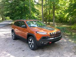 jeep cherokee green kayla u0027s pick of the week 2016 jeep cherokee trailhawk