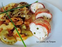 recette de cuisine facile et rapide plat chaud mousse de poulet bardée de fines tranches de lard accompagnée d