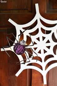 easy to make halloween wreaths 28 easy diy halloween wreaths 50 easy diy outdoor halloween
