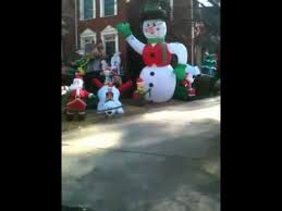 Blow Up Christmas Yard Decorations by Crazy Blow Up Yard Christmas Decorations Youtube