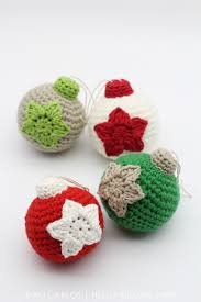 crochet christmas crochet christmas baubles free pattern