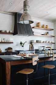 Interior Designs Of Kitchen by Best 25 Rustic Industrial Kitchens Ideas On Pinterest