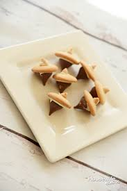 thanksgiving acorn treats easy thanksgiving treats to make with kids housewife eclectic