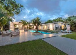 Beach House Backyard What To Look For When Searching For Miami Beach Houses For Sale