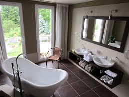 Kleine Badezimmer Design Hausdekorationen Und Modernen Möbeln Kühles Badezimmer Badewanne