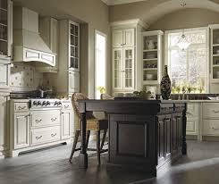 thomasville glass kitchen cabinets thomasville plaza maple amaretto creme kitchen kitchen
