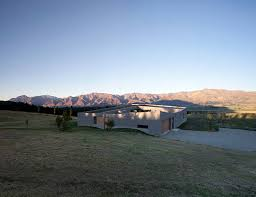 Rugged Landscape Lake Hawea Courtyard House Bunkers Against A Stunningly Rugged