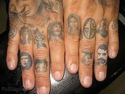 figure finger tattoos