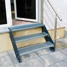 stufen treppe design treppen und gitterroststufen für den außenbereich
