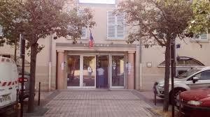 bureau de change cergy petition update convention mairie poste continuons la pétition
