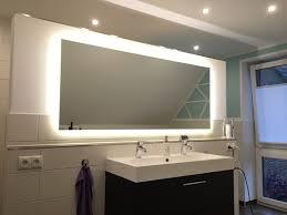 badezimmer licht die besten 25 badezimmerspiegel ideen auf badezimmer