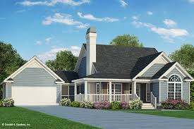 country style house plan 3 beds 2 00 baths 1246 sq ft plan 929 47