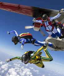 why don u0027t commercial airplanes have parachutes for passengers