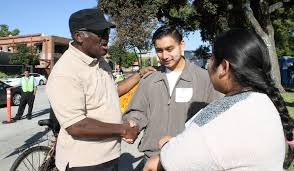 pasadena now thousands served thanksgiving meals by hundreds of