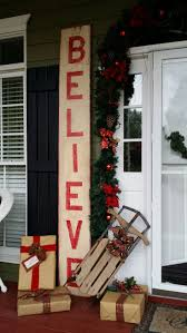 Outside Home Christmas Decorating Ideas Best 25 Outside Christmas Decorations Ideas On Pinterest