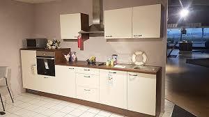 pino küche pino musterküche schicke magnolie hochglanz küche