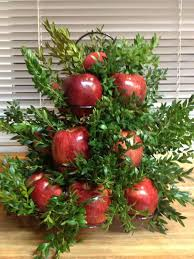 halcyon days the williamsburg apple tree centerpiece