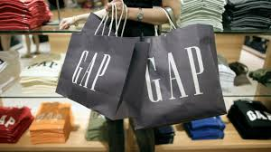 old navy open thanksgiving gap is closing 200 stores amid shifting focus to old navy and
