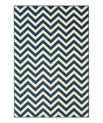 Zig Zag Outdoor Rug This Navy Zigzag Indoor Outdoor Rug Is Perfect Zulilyfinds