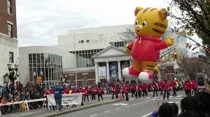 daniel tiger baloon 2015 ubs parade spectacular