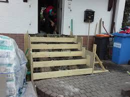 treppe betonieren treppe zur haustür neu betonieren und mit naturstein belegen schalung