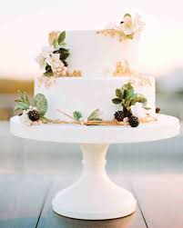 wedding cake options how to choose the right wedding cake the wedding pin