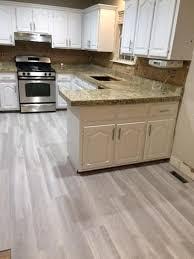 home decorators showcase coastal oak 7 5 in x 47 6 in luxury vinyl plank flooring 24 74