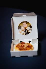 personalized pizza boxes and these mini pizzas in mini boxes are an amazing way to treat