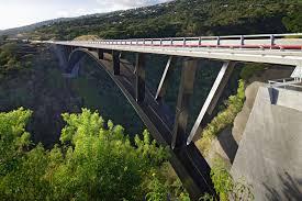 bureau d ude ouvrage d pont de la ravine fontaine sur l île de la réunion arch zirk et